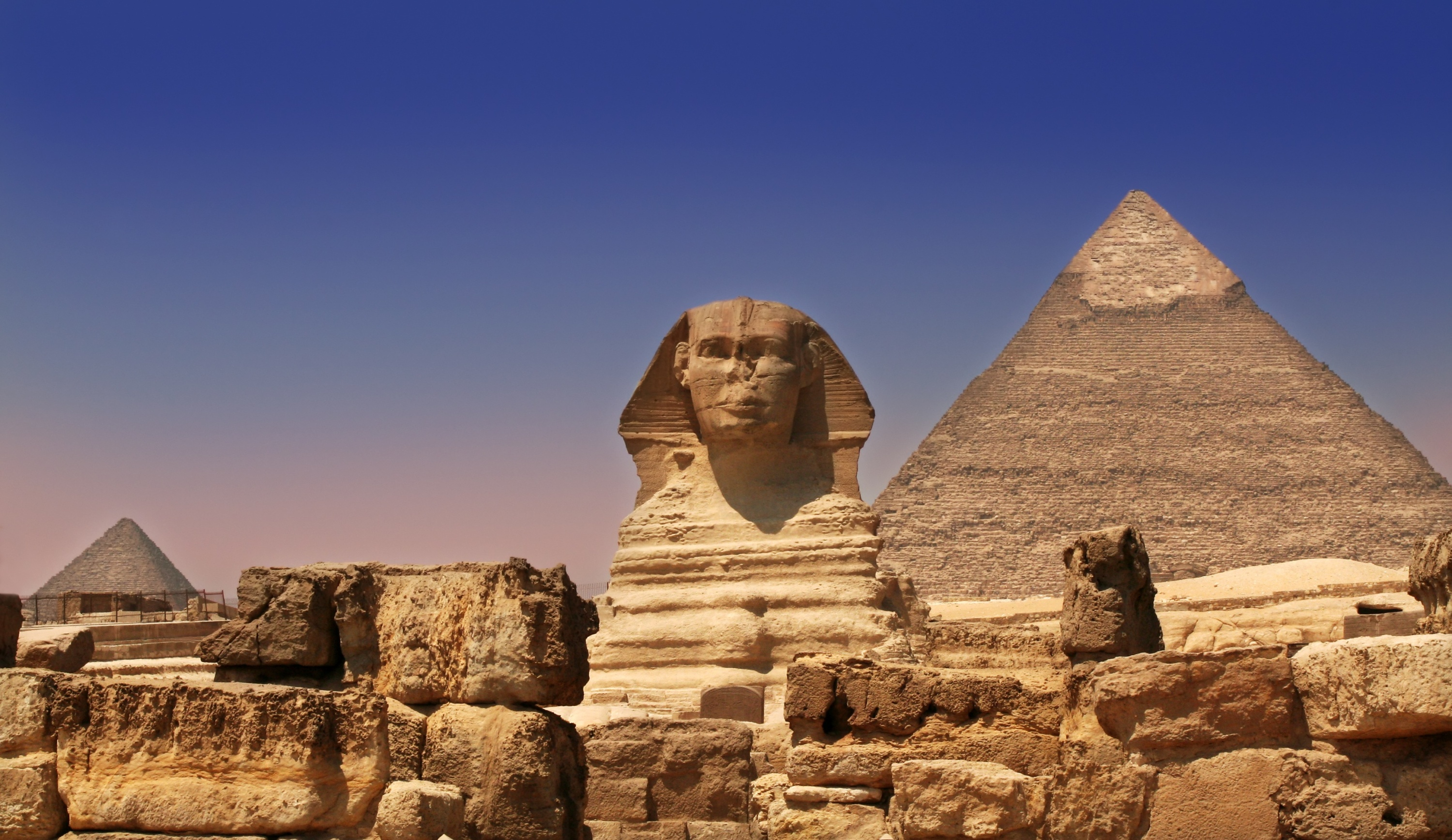 hi-res1-sphinx-and-pyramids