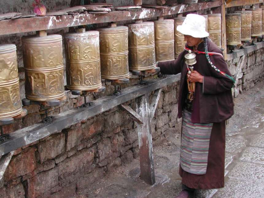 02_wall_with_prayer_wheels2
