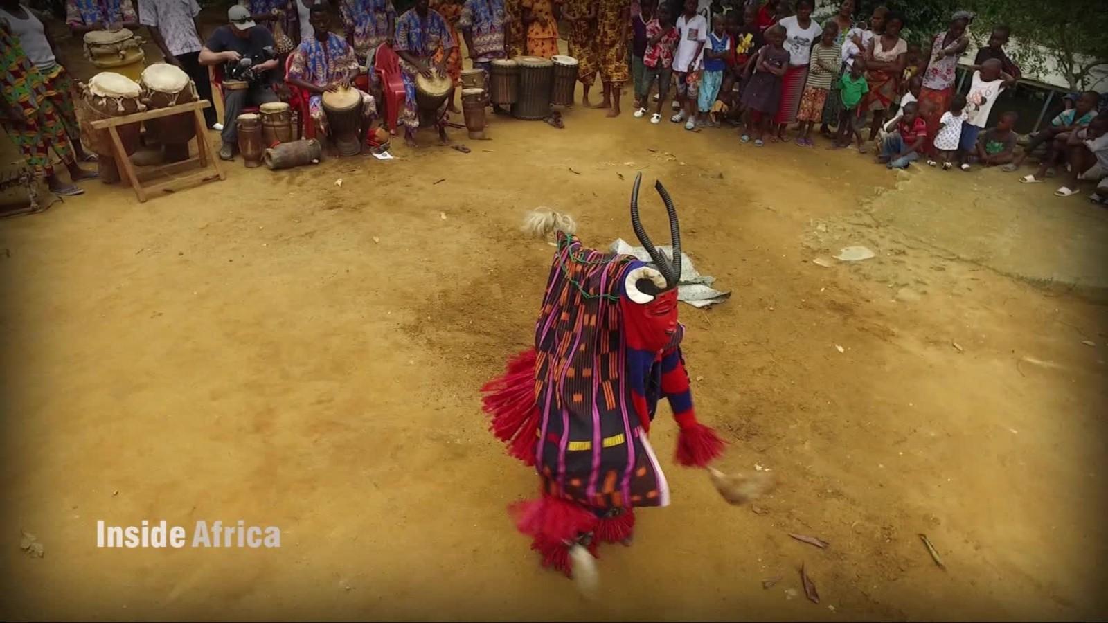 161010115501-inside-africa-masks-spc-c-00074209-full-169