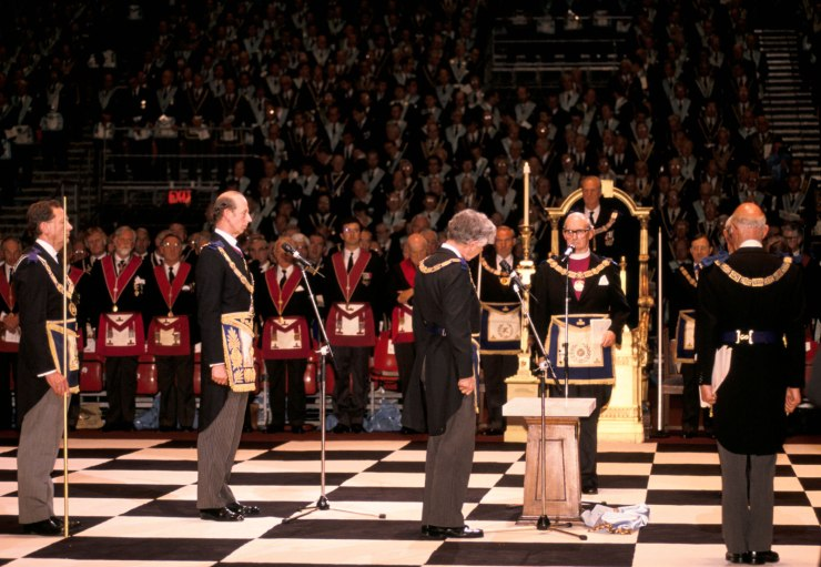 gathering-Freemasons-anniversary-formation-Earls-Court-London-1992