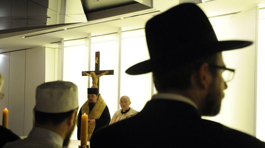 https___cdn.cnn.com_cnnnext_dam_assets_150121152419-jewish-muslim-christian-clergymen