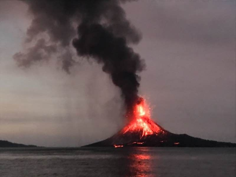 krakatau-22dec-gabriel-garcia