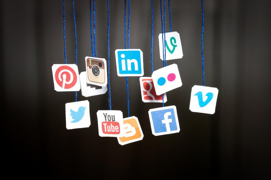 shutterstock-social-media