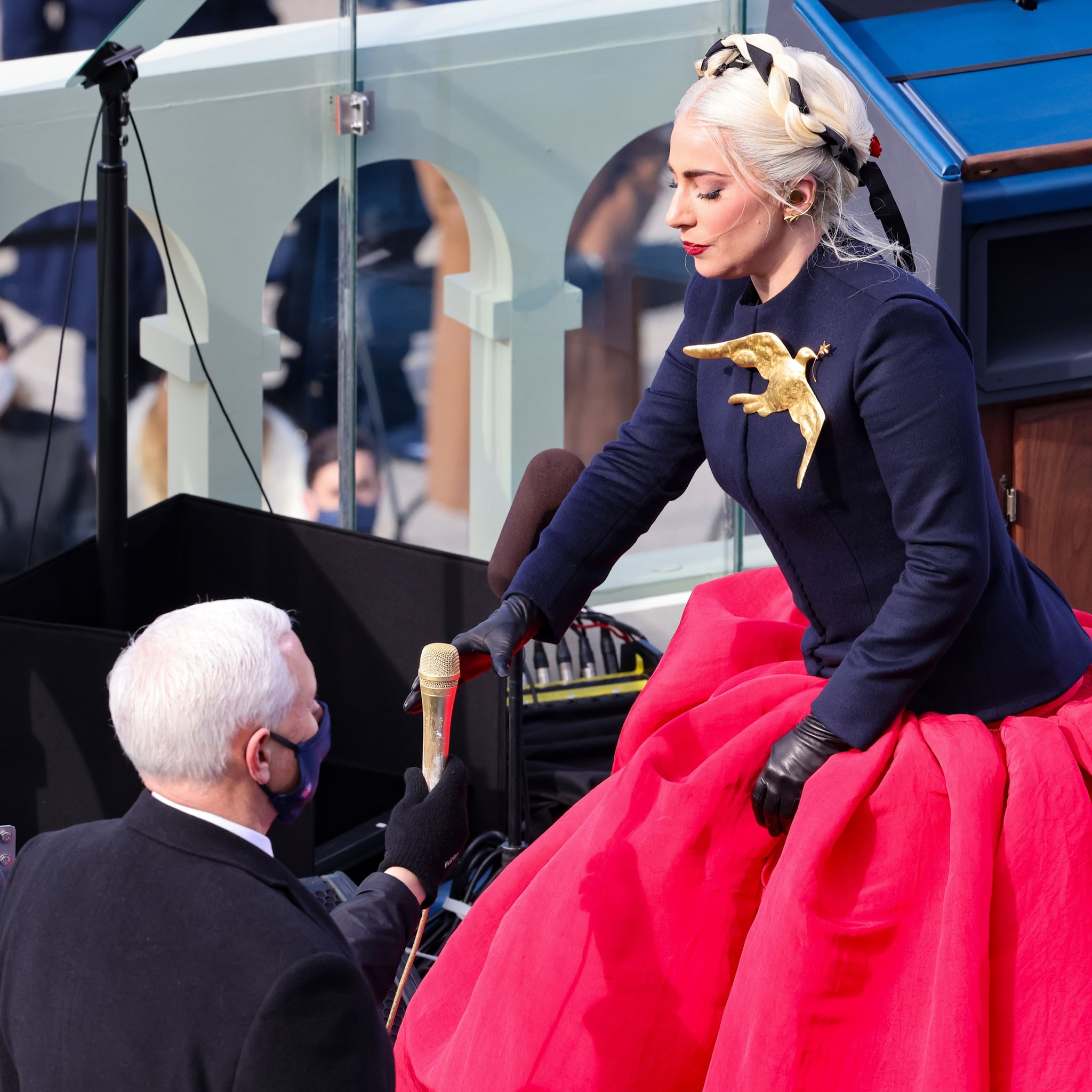 twitter-reactions-lady-gaga-mike-pence-inauguration-day